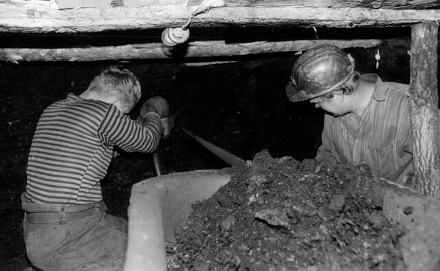 этого работа фотографом в шахтах последующих картинах