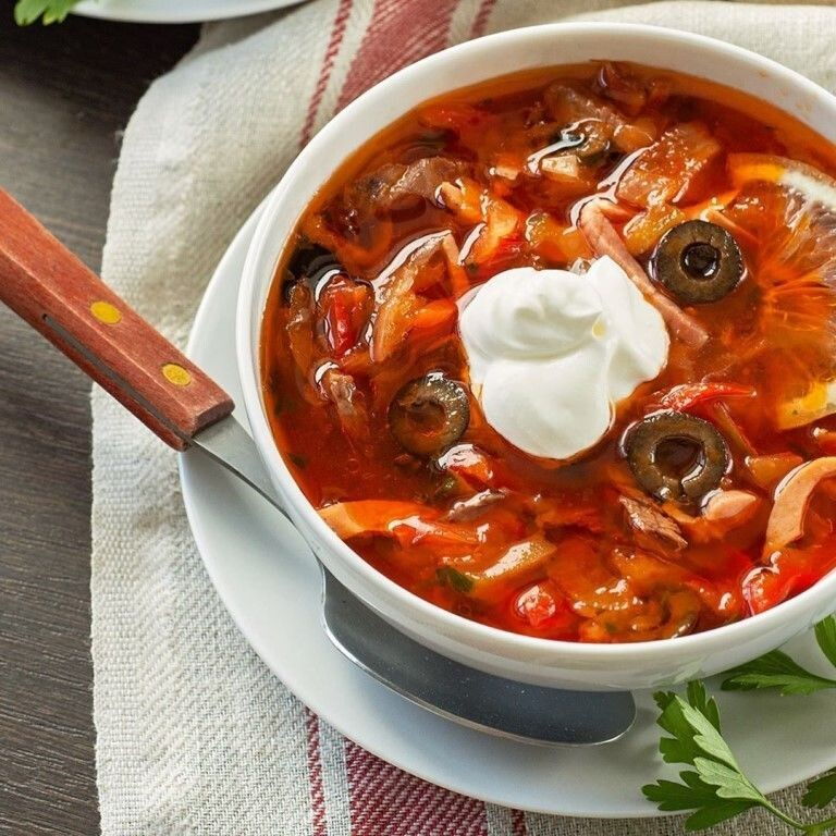 Сборная солянка без копченостей наваристый суп.