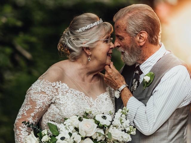 Пара из Южной Каролины Джордж и Вивиан Браун отпраздновали свою ...