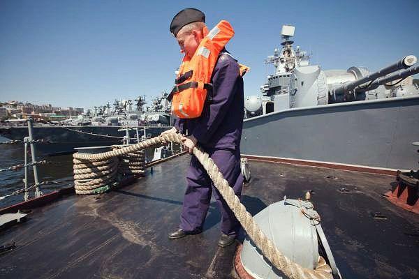 Матрос – есть главный двигатель на военном корабле».