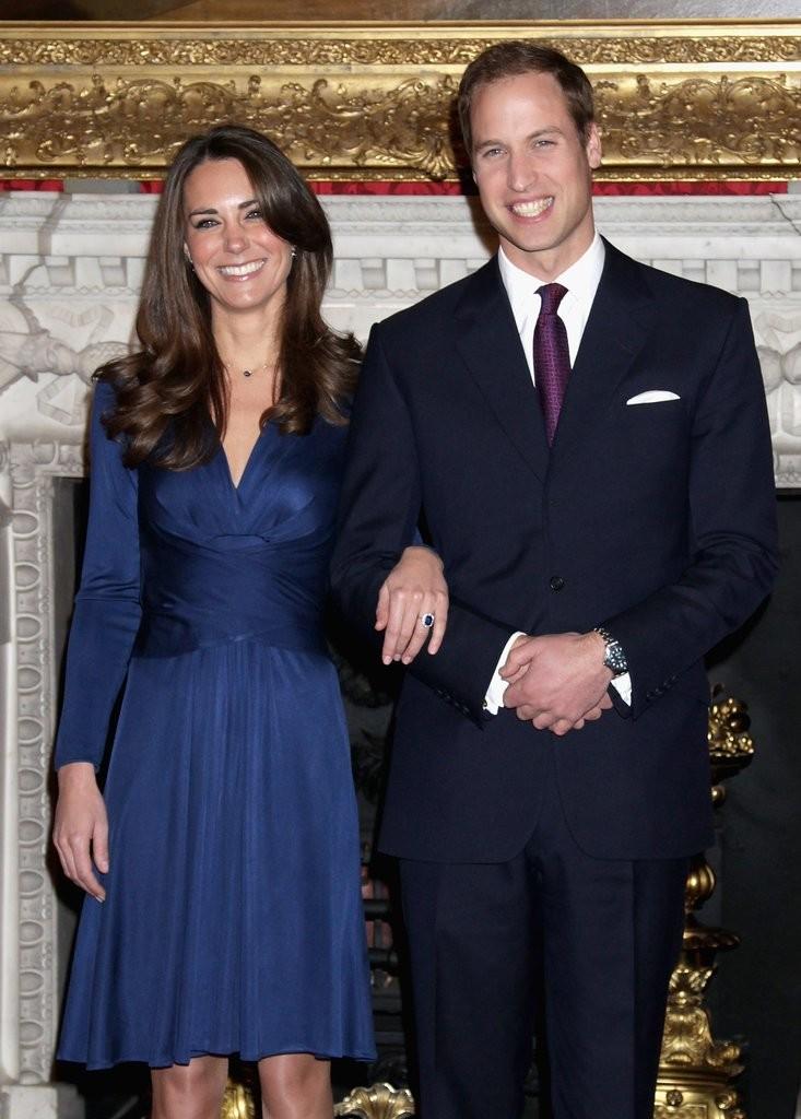 Помолвка принца Уильяма с Кейт Миддлтон (2010 год) и принца Гарри с Меган Маркл (2017)😍