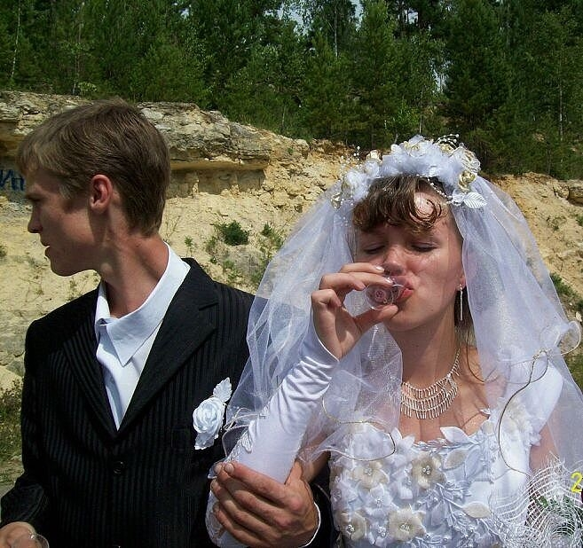 самая картинки свадебные алкашей или смешные увы, все счастливые