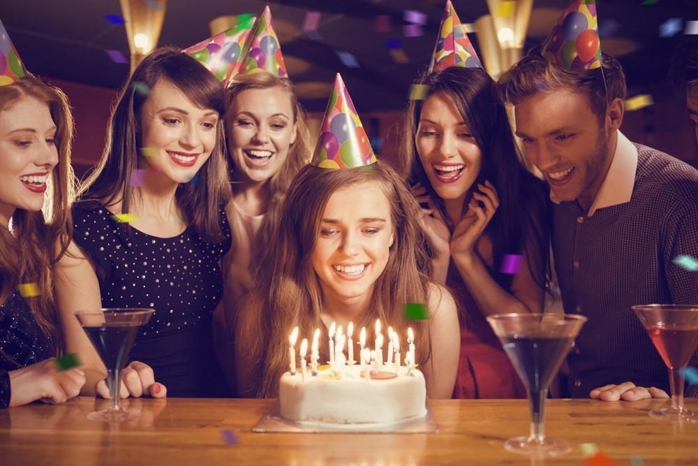 фото день рождения фотографии французскому законодательству