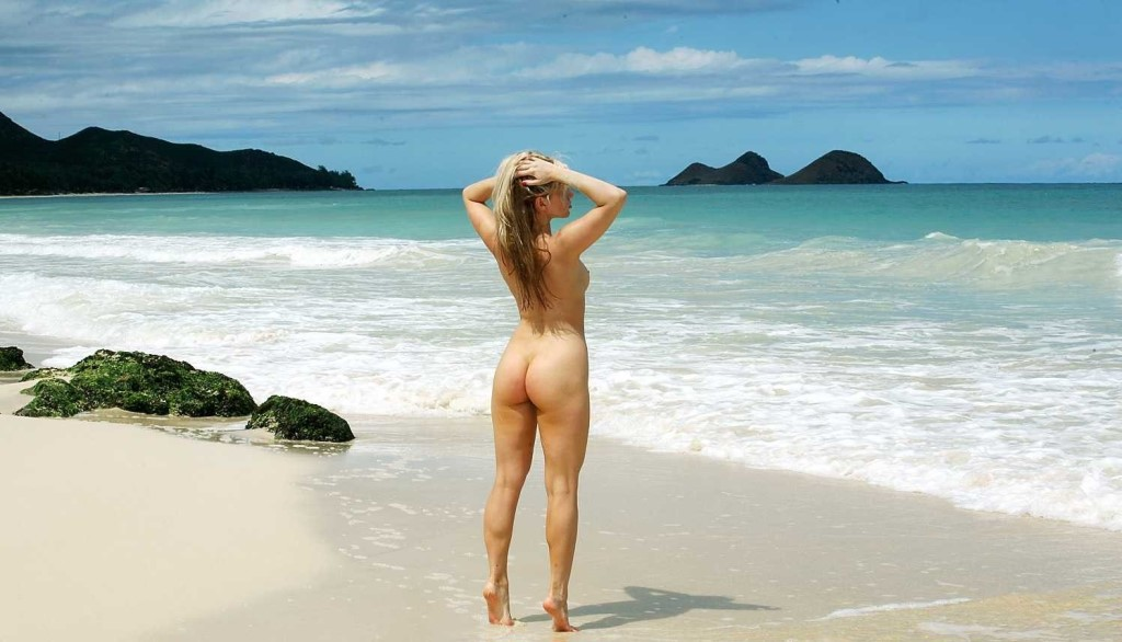 classic-sexy-nude-on-the-beach-sexy-philipina-babes