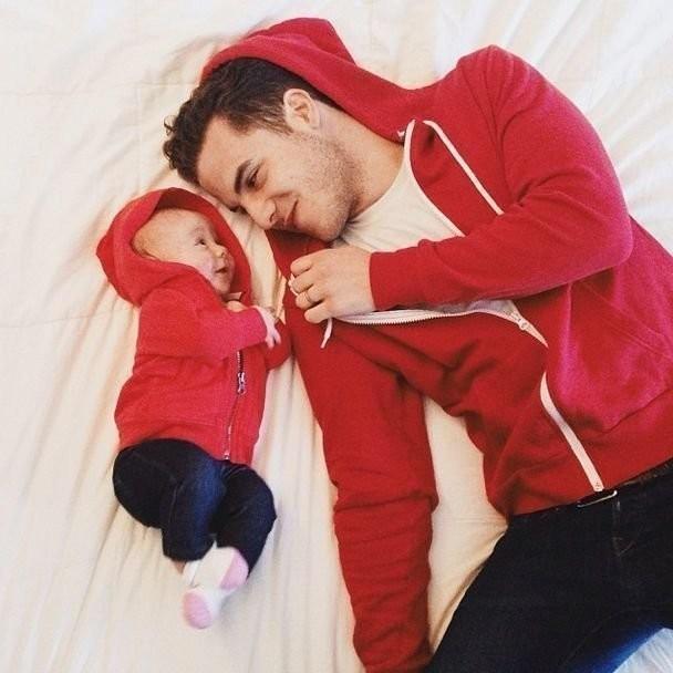 Картинка на аву отец с ребенком