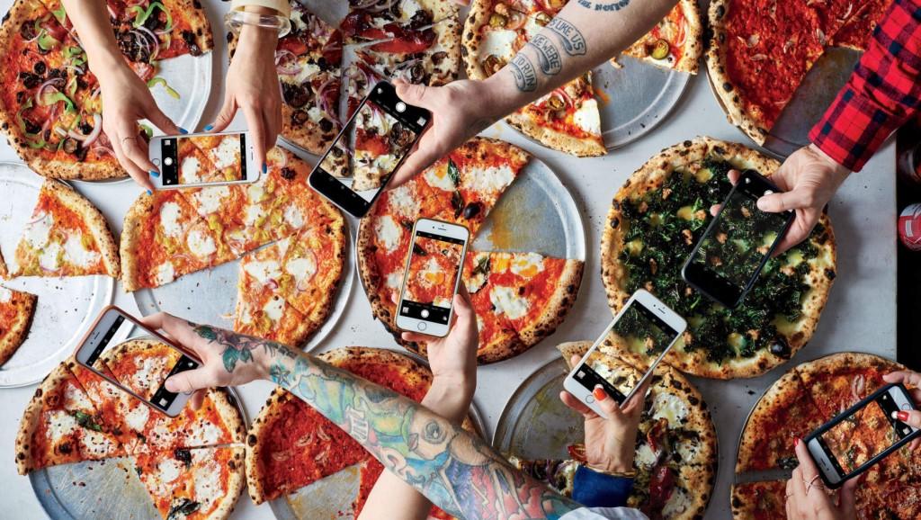 Вкусная пицца — успех вечеринки