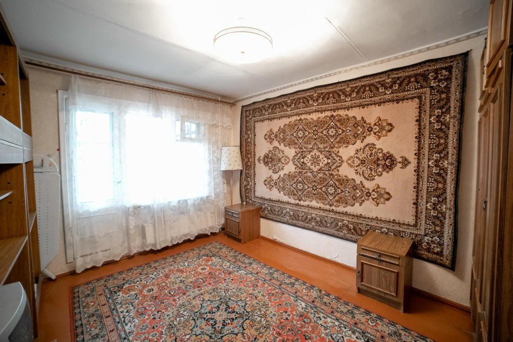 Продается в г.Томск Ленинскии р-он Каштак-3 просторная двухкомнатная квартира распашная планировка площадью 44,3 кв.м.