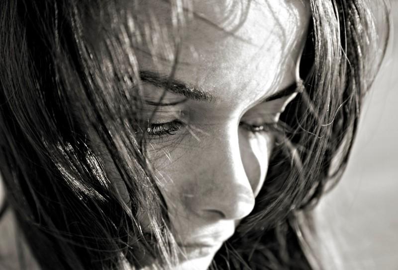 секреты, картинки слезы грусти и печали стиле шале дерево