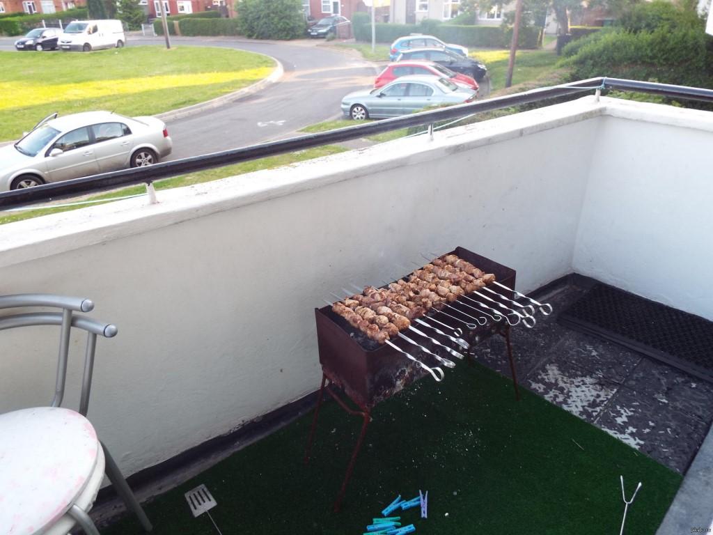 Фото приколы курение на балконе