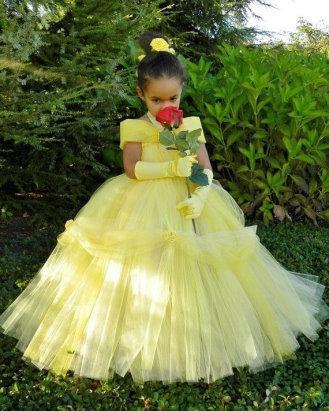 e5b35a32a865aa6 У каждой девочки в жизни должно самое красивое пышное платье принцессы -  выпускной в детском саду повод надеть платье мечты. Для мальчиков на  выпускной ...