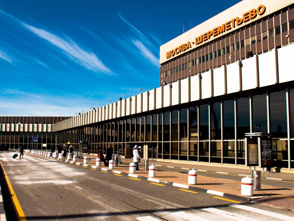 Как найти стоянку в аэропорту Шереметьево и что следует знать?