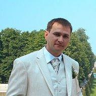 Алексей Деревянко