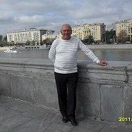 Анатолий Плева