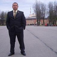 Эдуард Зуев ( старший )