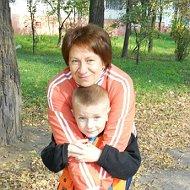 Люда Ющенко-Молочко