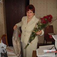 Валентина Донцова-Ведерникова