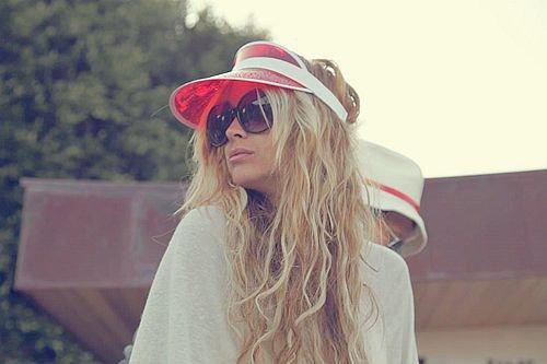 kartinki-chelkastoy-blondinki