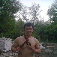 ЕЛЙОР HOLIQOV
