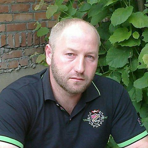 Rustam, 40, Grozny