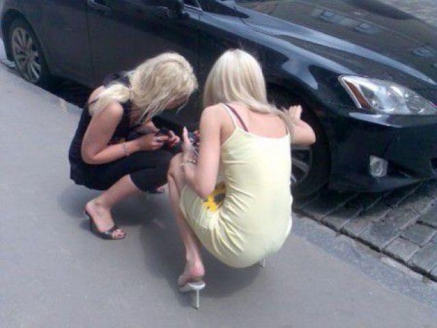 Две в машине блондинки фото 461-333