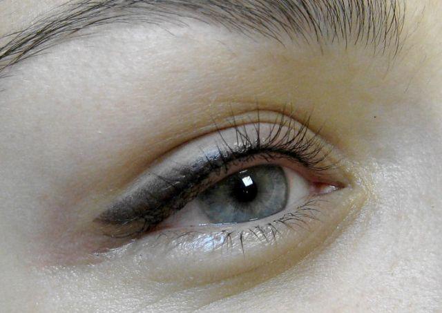 Как делают татуаж глаз с растушевкой : этапы процедуры