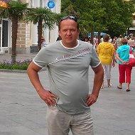 Павел Дубовцев