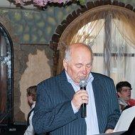 Петр Романюк