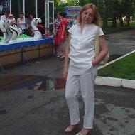 Людмила М(М)