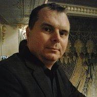 Владимир Кирпичников