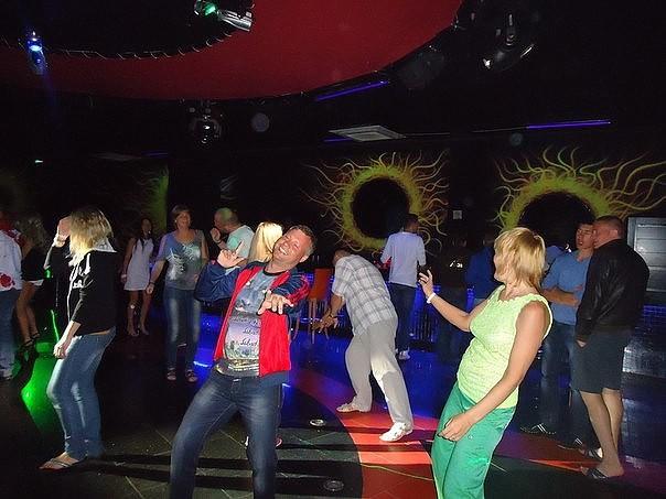Сапожках пьяные на дискотеке