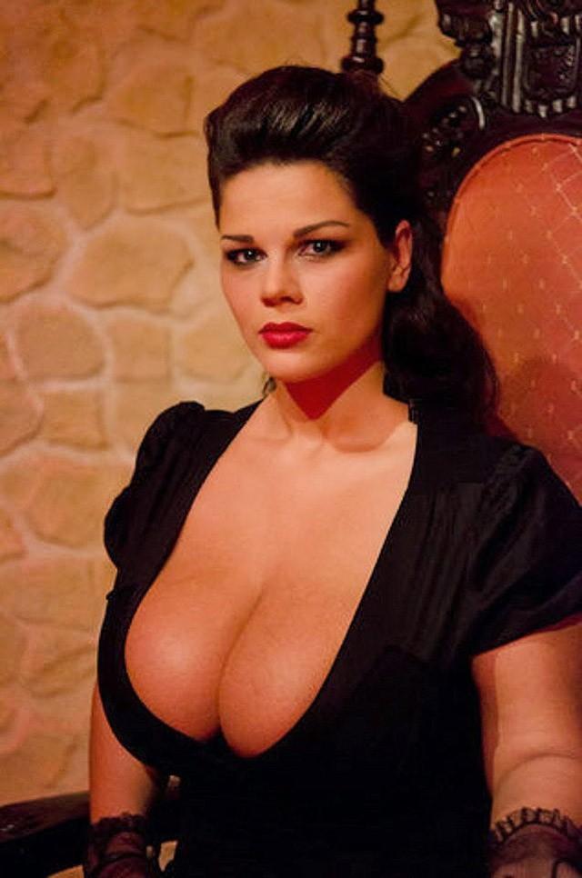 Большая русская натуральная женская грудь фото 292-634