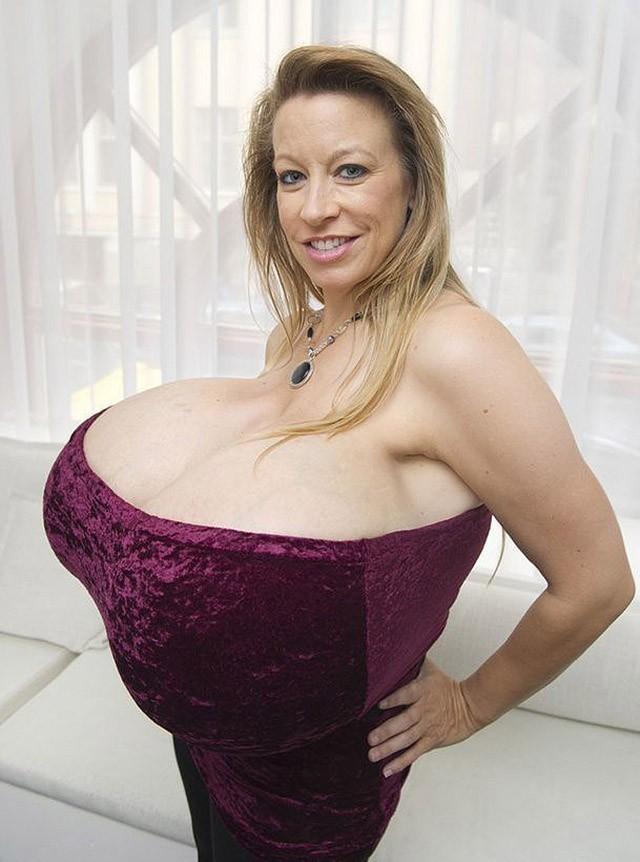Самая огромная грудь мира показать фото 565-647
