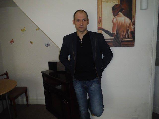 Jurij, 48, Goole