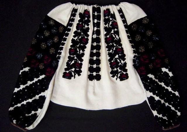 Борщівська вишивка - це сорочка 77cd57a89faa5