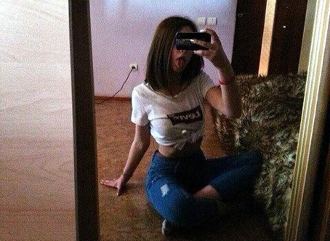 foto-devushek-szadi-shatenka-kto-iz-russkih-izvestnih-akterov-zasvetilsya-v-porno