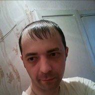 Антон Кунин