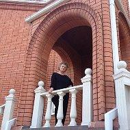 Нина Кашперская