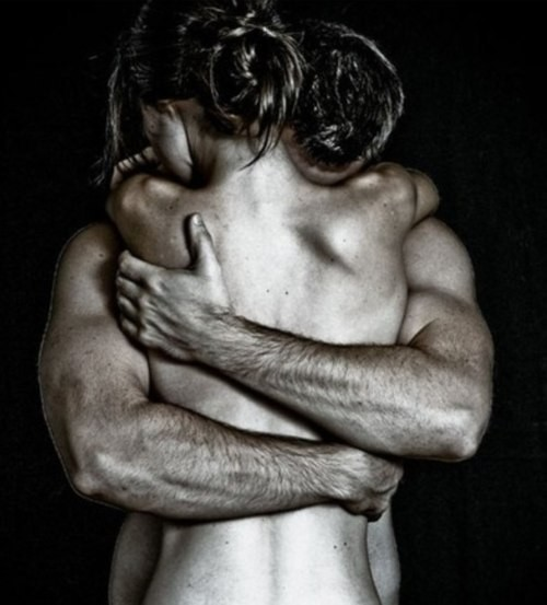 фото объятия мужчины и женщины фото
