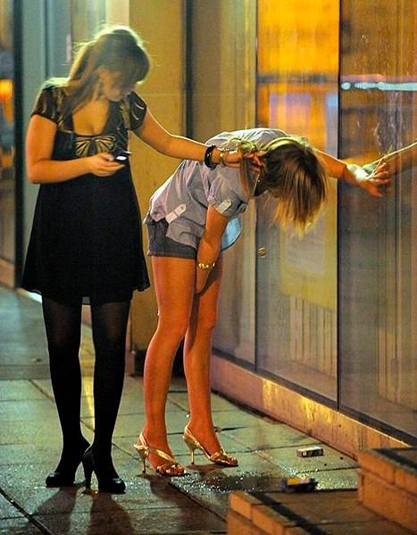 Две девочки трахаются в школе фото 118-38