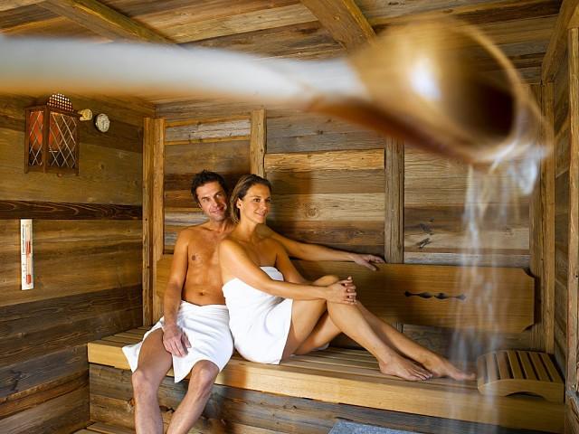 пожилым баня гей