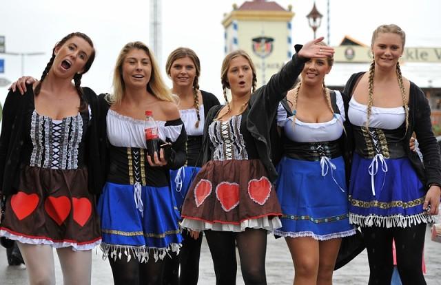 Днем святого, немецкие красотки фото