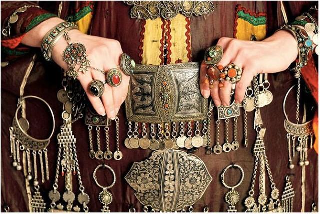 8eeac6a8e29b Кавказские ювелирные изделия – это и замечательный подарок для близкого  человека.  украшениянародовкавказа  женщиныкавказа