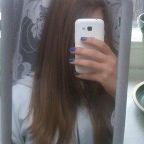 Фото девушек русых волос фотографируются на телефон без лица фото 609-815