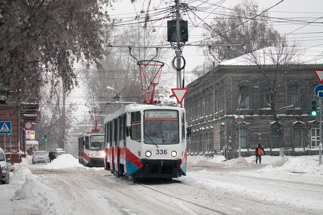 Порно сексшопе, поимели в трамваи