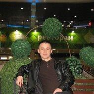 Дмитрий R