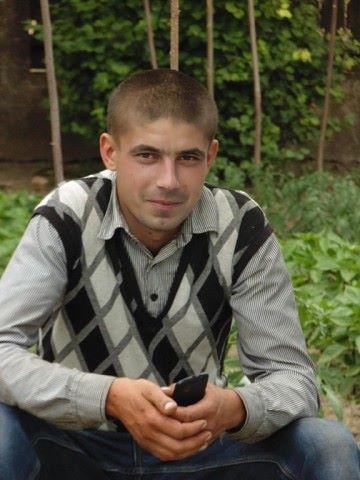 Олег, 29, Cairaclia