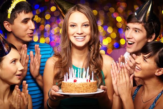 46b5a38c8de7 У вас есть родственники или друзья, кто празднует день рождения в этом  месяце  Спешите воспользоваться выгодой в сети ООО Волга Ломбард! Справки  по ...