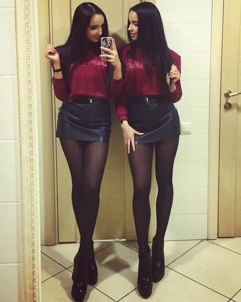 Две Проститутки Близняшки