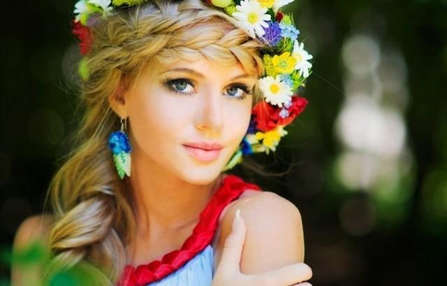slegka-polnovatie-blondinki