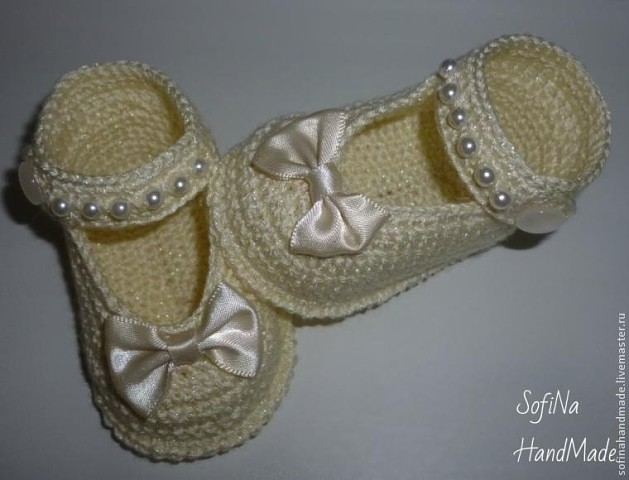 Вяжем пинетки-туфельки
